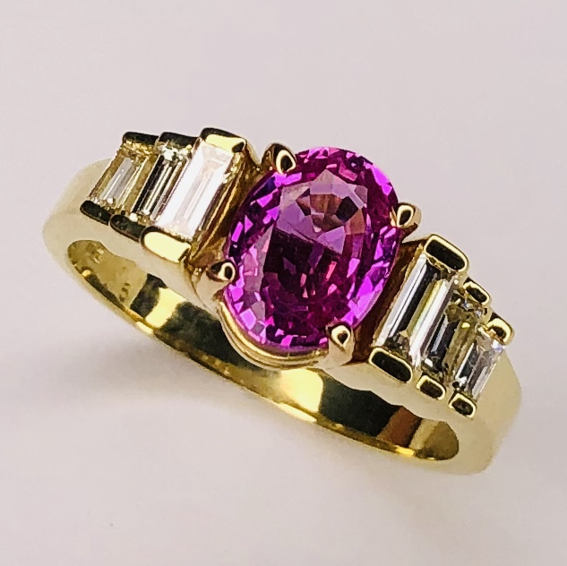 18K Yellow Gold 1.70ct Oval Pink Sapphire Ring .33tcw baguette diamonds 5.4g