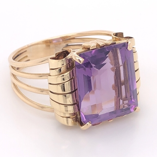 Image 2 for 18K Yellow Gold Retro Rectangular 10ct Amethyst Scroll Style Ring 8.7g, s10