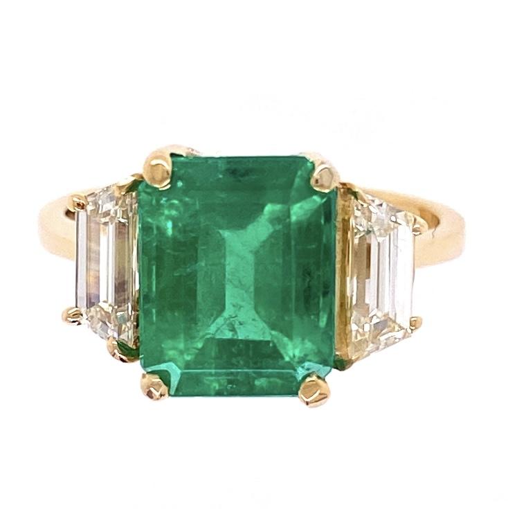 18K Yellow Gold 3.00ct Vivid Green Emerald & 2 Trapezoid Diamond are 1.25tcw Ring 5.4g, s6