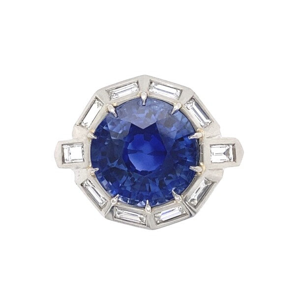 Closeup photo of Platinum 1950's 9.11ct Round Blue Sapphire & 1.75tcw White Baguette Diamond 10 sided 10.0g, s6.75