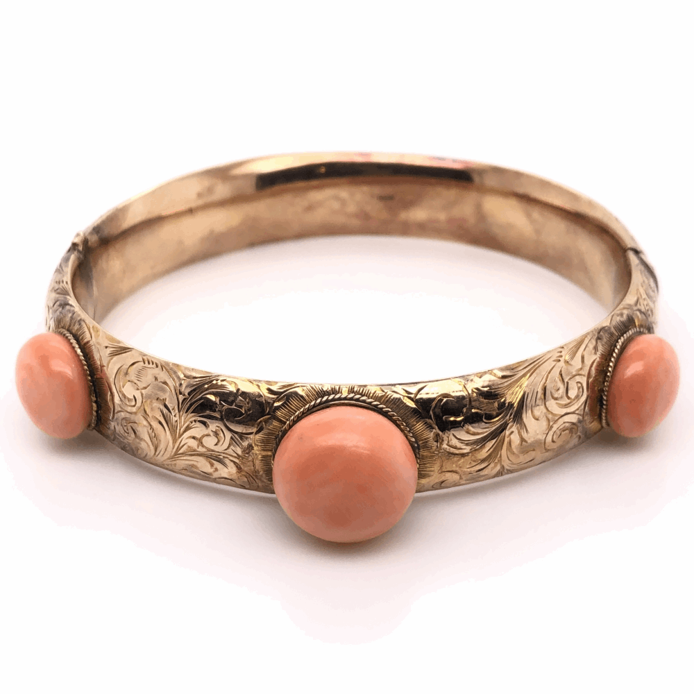 14K Yellow Gold Victorian 3 Coral Bangle 20tcw, 25.9g, s7.5""