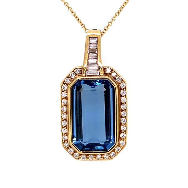 "Closeup photo of 18K Yellow Gold 15ct Aquamarine & 1.50tcw Diamond Pendant c1970, 16"" Chain"