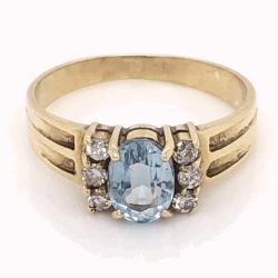 Closeup photo of 14K Yellow Gold .35ct Oval Aquamarine & .10tcw Diamond Ring 2.8g, s6.75