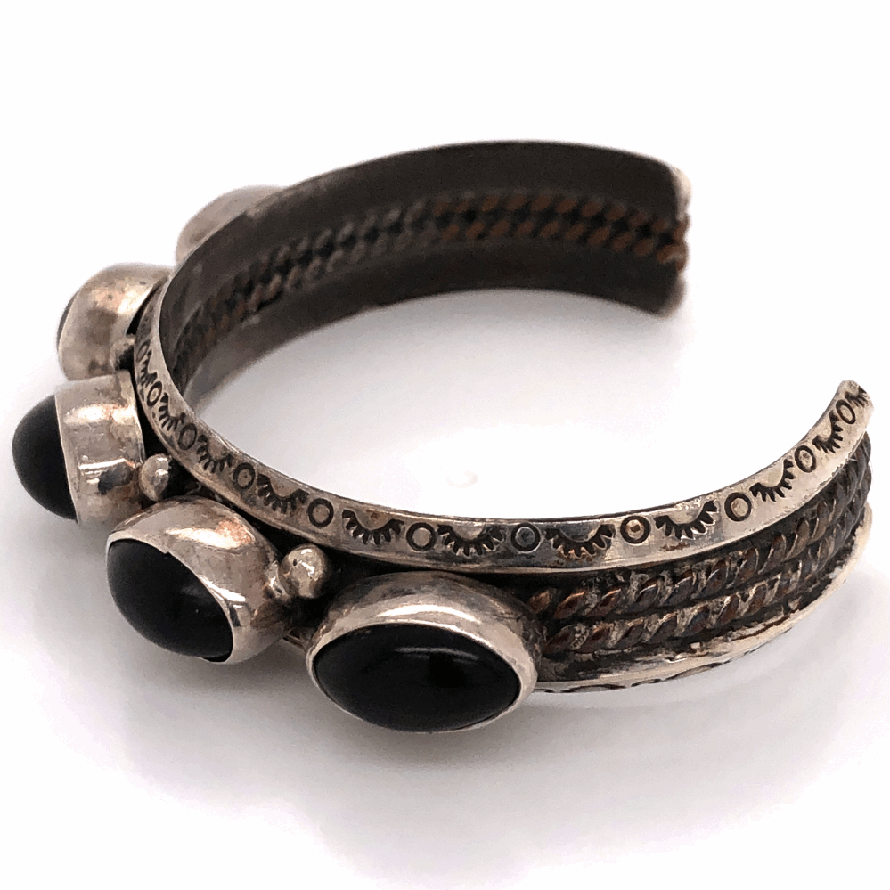 """Image 2 for 925 Sterling Native Old Pawn 5 Black Onyx Cuff Bracelet 33.5g, 5/8"""" Wide"""
