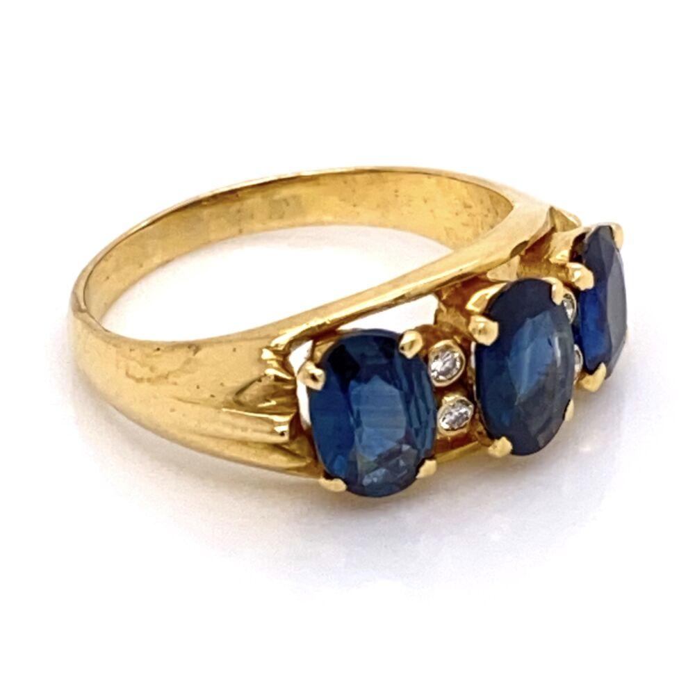 Image 2 for 18K Yellow Gold 3 Oval Sapphire 2.50tcw & .04tcw Diamond Ring 4.8g, s6.25