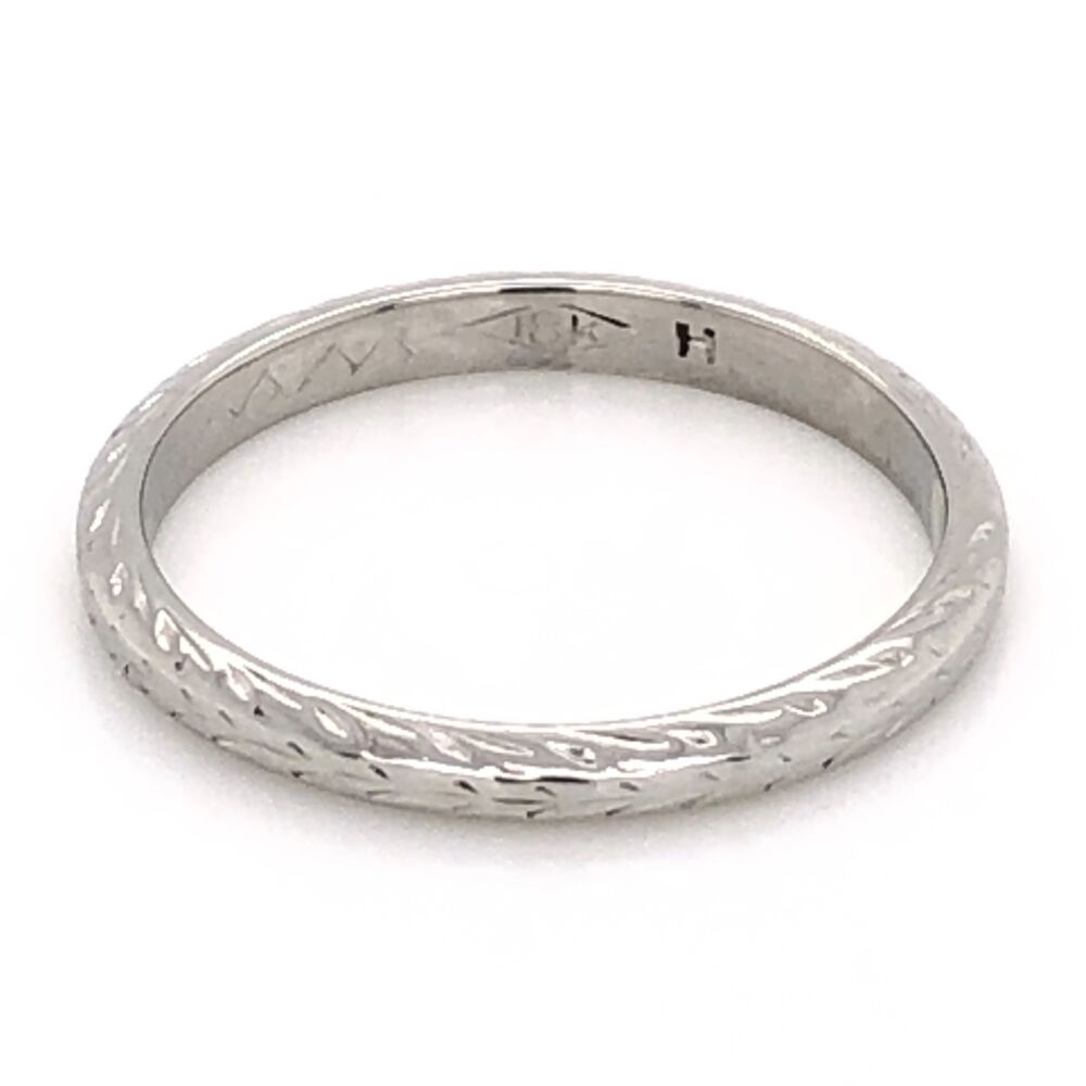 18K White Gold Art Deco Engraved Band Ring 2.1g, s6.25