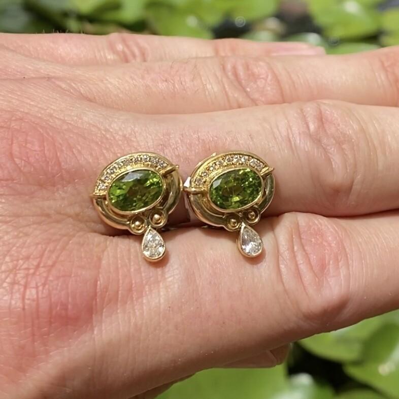 Image 2 for 18K Yellow Gold 4.00tcw Peridot & .75tcw Diamond Earrings 10.2g,