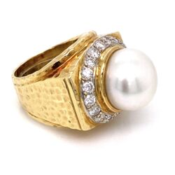 Closeup photo of 18K Yellow Gold Hammered 14mm Pearl & 1.50tcw Diamond Ring 26.3g, s7