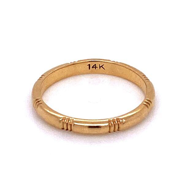 Closeup photo of 14K YG Band Ring Hash Mark Engraved Band Ring 1.7g, s