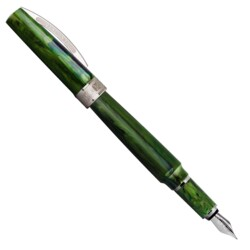 Closeup photo of Visconti Mirage Fountain Pen – Emerald