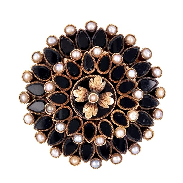 """Closeup photo of 9K Victorian Onyx & Seed Pearl Mourning Brooch c1872, 15.0g, 1.5"""" diameter"""