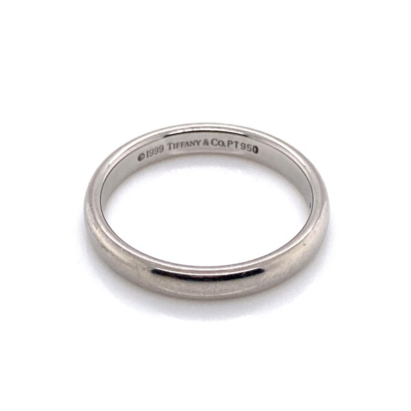 Closeup photo of Platinum 950 Tiffany & Co. Solid Engagement/Wedding Band Ring 4.8g, s6.5