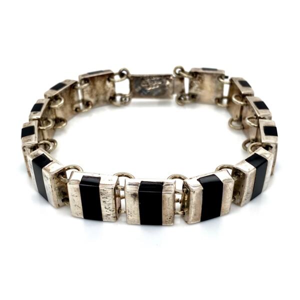 Closeup photo of 925 Sterling Onyx link Bracelet 26.1