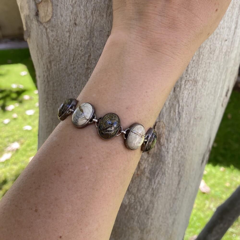 """925 Sterling White & Brown Agate Bracelet 44.3g, 7.75"""""""