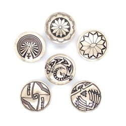 Closeup photo of 925 Sterling Native 6 Button Set, 18.3g