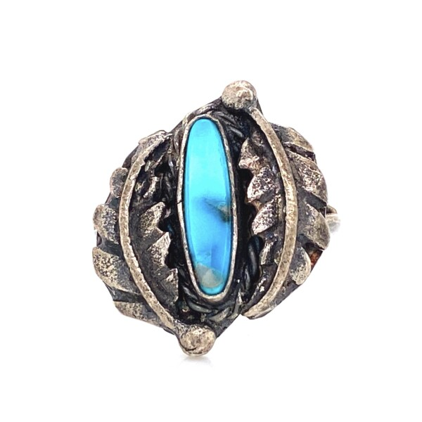 Closeup photo of 925 Sterling Native Old Pawn Turquoise Ring 3.6g, s6.5