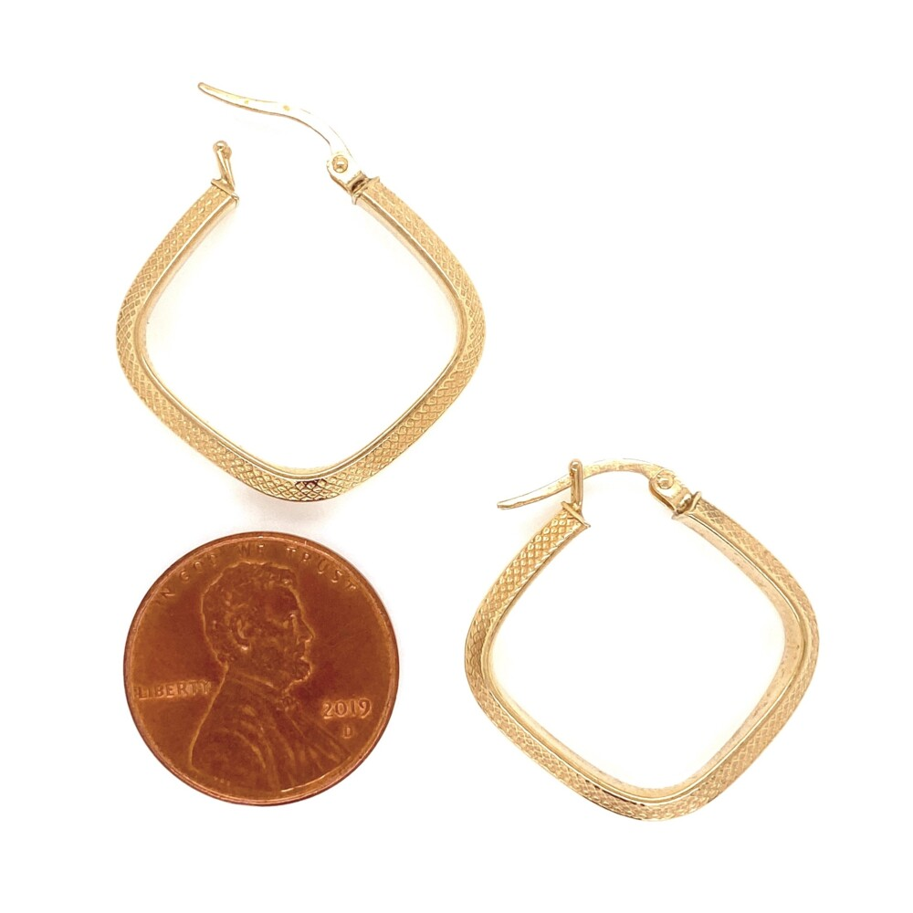 14K YG Square Engraved Hoop Earrings 2.1g