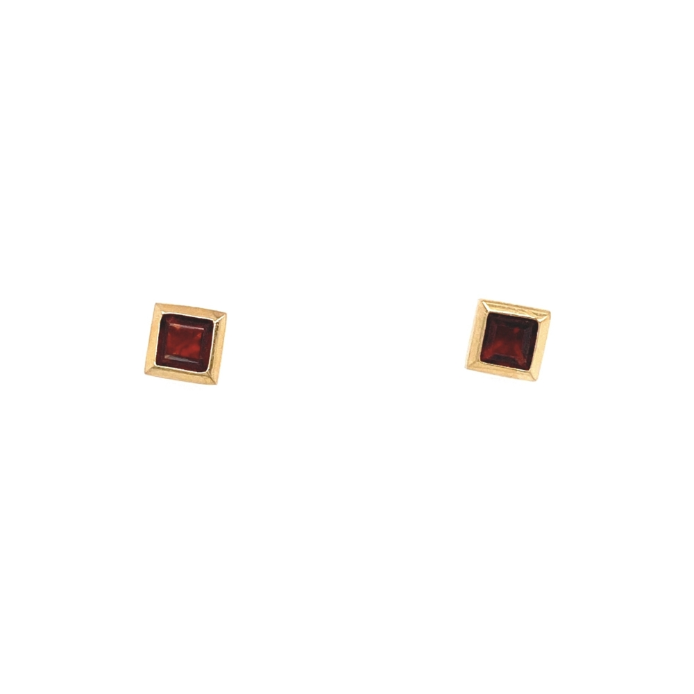 14K YG Square Red Garnet Stud Earrings 1.3g