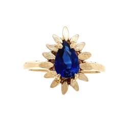 Closeup photo of 14K YG .97ct Pear Shape Sapphire in Flower Bezel Ring 3.3g, s5.75