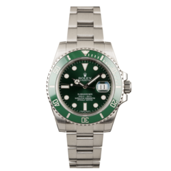 Closeup photo of Rolex 116610LV Submariner HULK Green Stainless Steel Complete