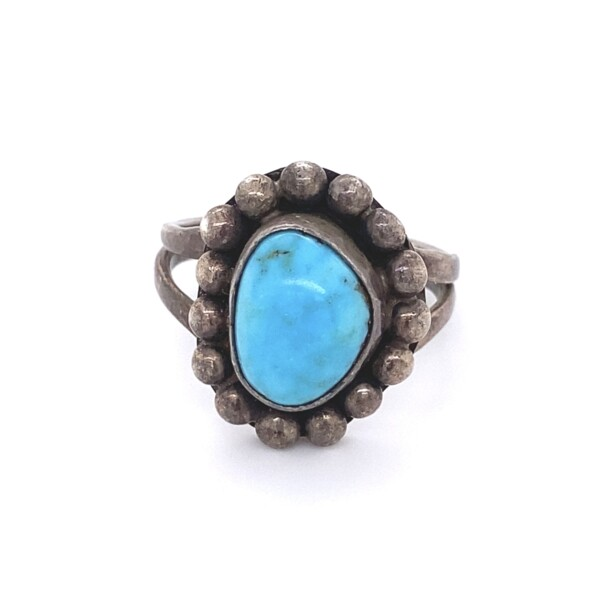 Closeup photo of 925 Sterling Old Pawn Native Turquoise Ring 7.0g, s8.75