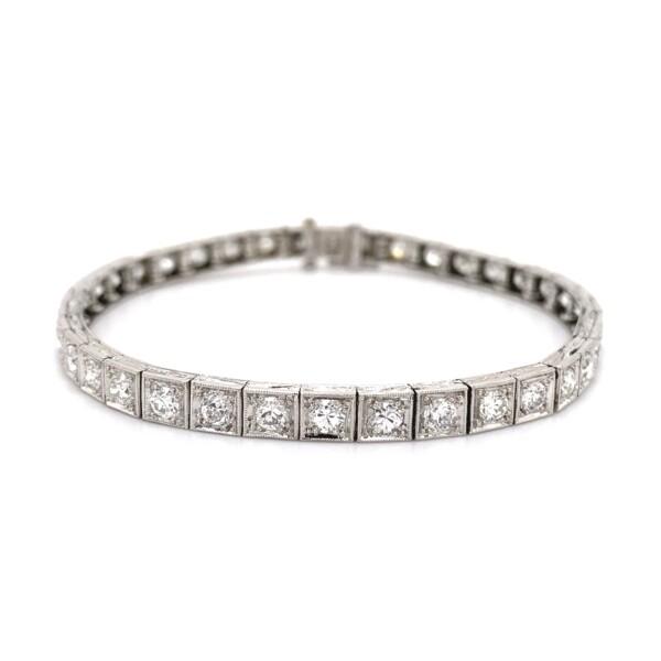 Closeup photo of 4.50tcw OEC Diamond Art Deco Line, Tennis Bracelet 16.4g, 7in