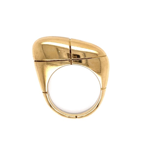 Closeup photo of FRED 2 tone 18K Offset Dome Bean Ring 11.1g, s7.25