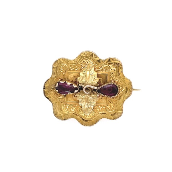 Closeup photo of Victorian Brooch with 2 Garnet's in 9K YG 3.4g