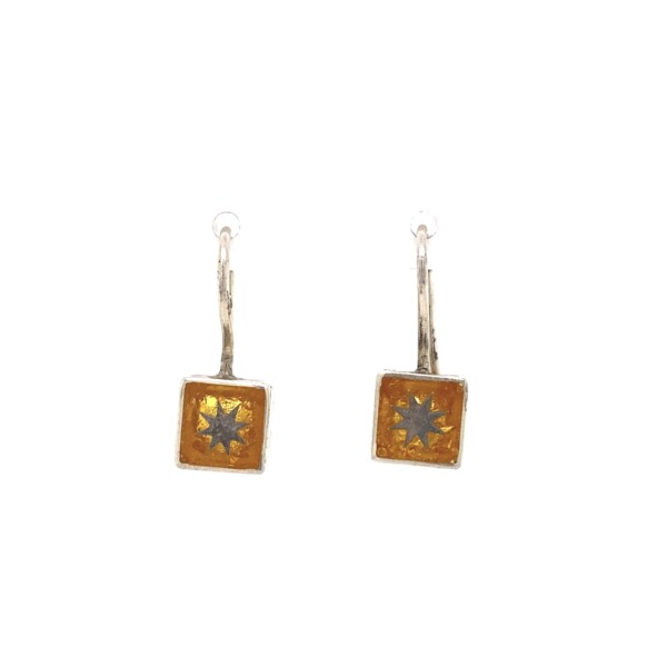 Closeup photo of 925 Sterling Gold Foil Star Earrings on Wire Post 2.4g