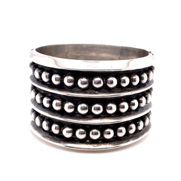 """Closeup photo of 925 Sterling Native Bead Cuff Spring Loaded 85.6g, 1.75"""" Wide"""