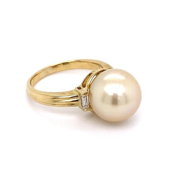 Closeup photo of 18K YG 11.3mm Cream South Sea Pearl & .15tcw Diamond Ring 6.3g, s6.25
