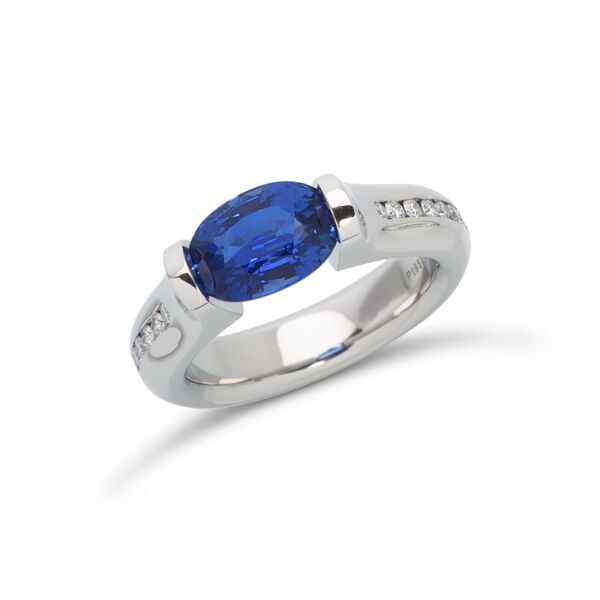 Closeup photo of 2.69 ct. Blue Sapphire set in Omega Channel Ring