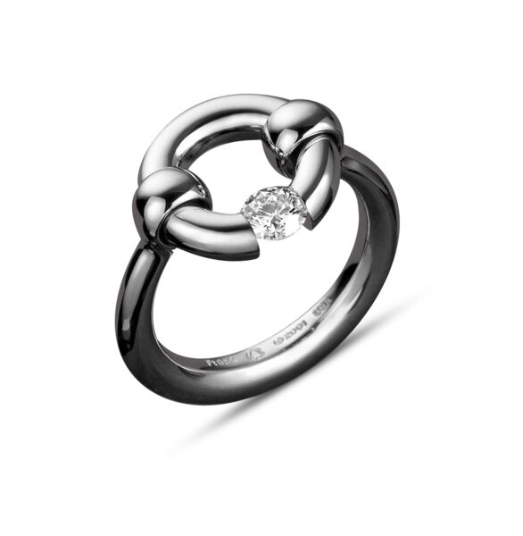 Closeup photo of Round-Top Jazz Ring with Diamond