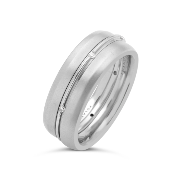 Closeup photo of Outer 2-Gether Kissing Band Shiny 6.0 mm Size 6.5