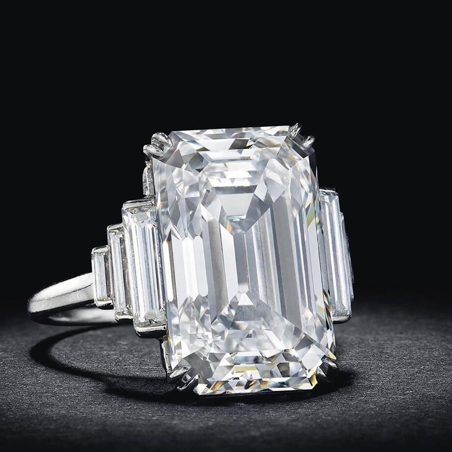 One of a kind 5.38 TKW Diamond Ring