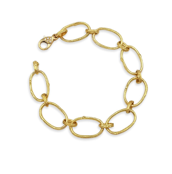 Closeup photo of Olive Branch Link Bracelet
