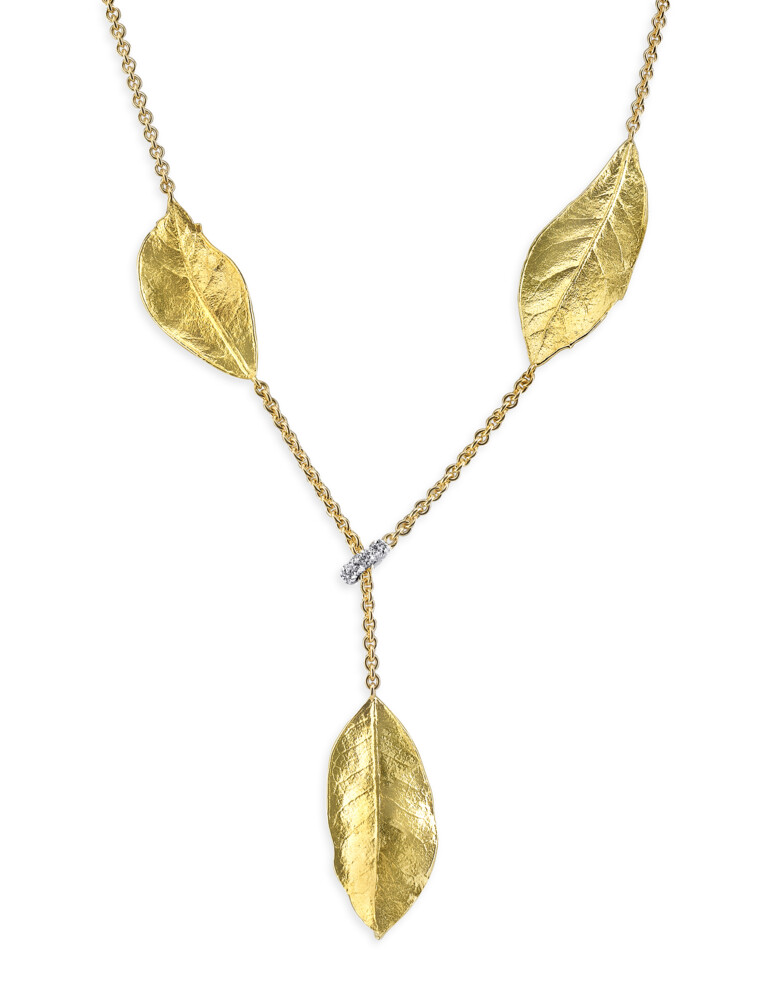 Southern Oak Leaves Necklace With Diamond Stopper