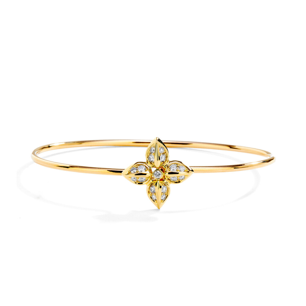18kyg flower bracelet with diamonds
