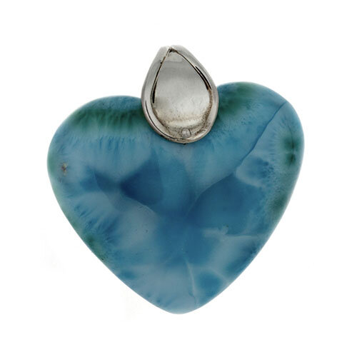 look like sand Beautiful Stunning crystal pendant with engraved scenery of birds over the natural inclusions in the stone itself!