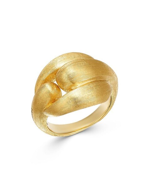 Closeup photo of Gold Lucia Ring
