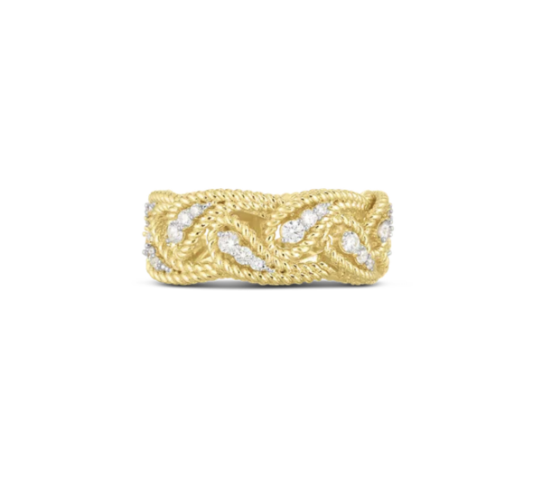 Closeup photo of Byzantine Borocco Dia Ring