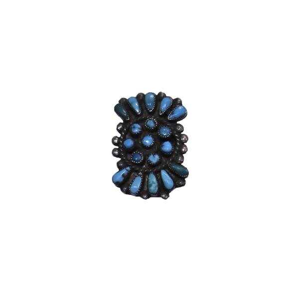Closeup photo of Zuni petty point ring