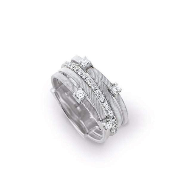 Closeup photo of Goa Five-Strand Ring 18K Gold with Diamonds