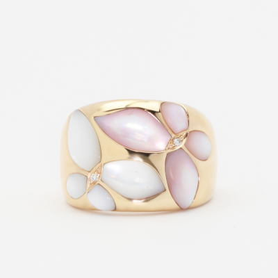 This ladies ring is inlaid with Pink and White Mother of Pearl, set in 18k rose gold and accented with diamonds.
