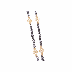 Closeup image for View Cable Chain With Champange Diamond Clover Scroll Stations By Armenta