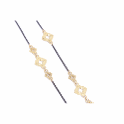 Closeup image for View Cable Chain With Champange Diamond Clover Scroll Stations - 03102 By Armenta