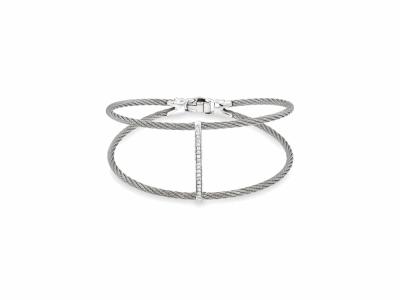 Collection: Sueno Style #: 10505 Description: Sueno 18K Yellow Gold paisley artifact pull bracelet with diamonds. Diamond Weight 0.26ct