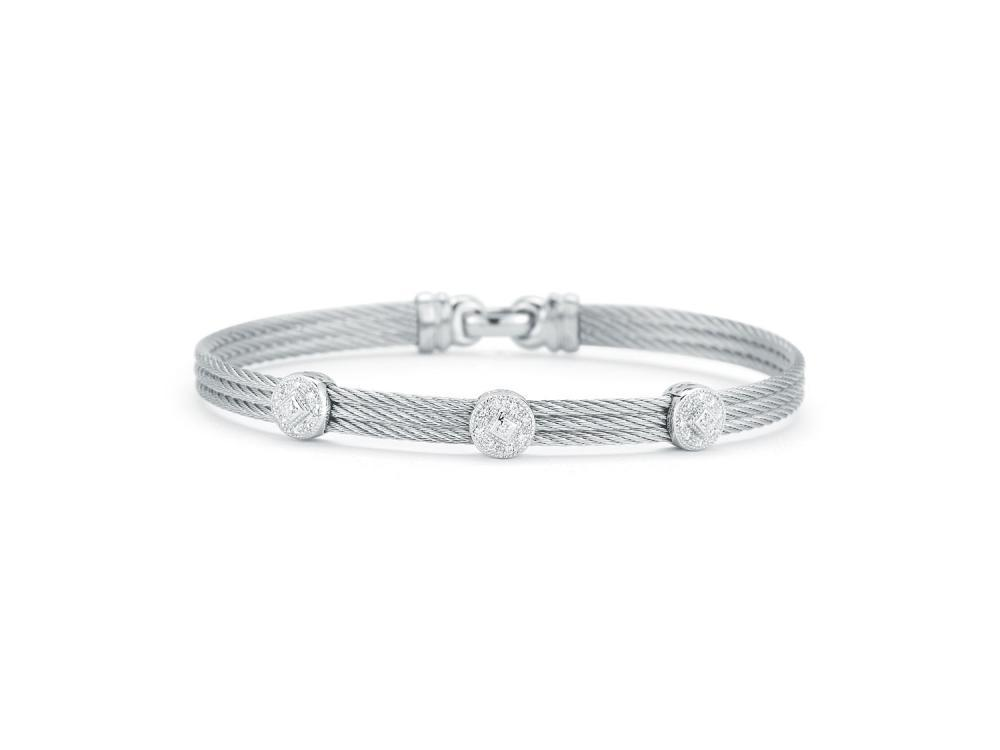 Classique Three Circled Station Bangle
