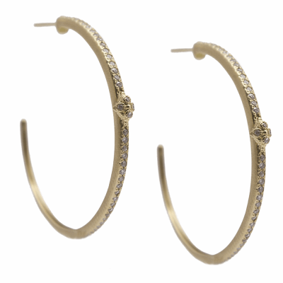 Sueno YG 35mm single-row crivelli hoop earring with white diamonds.
