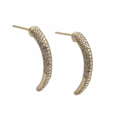 Sueno YG 21mm dagger post earring with four rows of white diamonds.